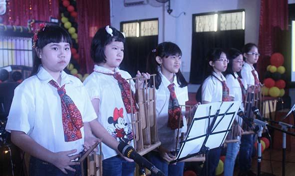 Students' ensemble